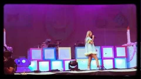 Cake Live Melanie Martinez At Austin City Limits 2016 Weekend 1