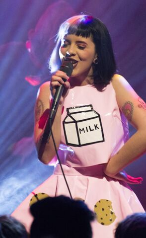 File:Melanie-Martinez-at-Lincoln-Hall-2-10-15-by-Rachel-Cameron-12-1230x2006.jpg