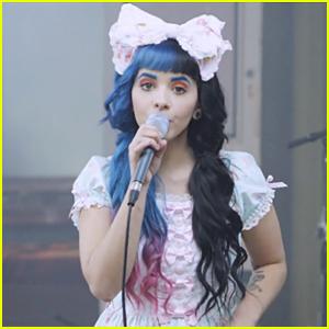 File:Melanie-martinez-carousel-music-video-exclusive.jpg