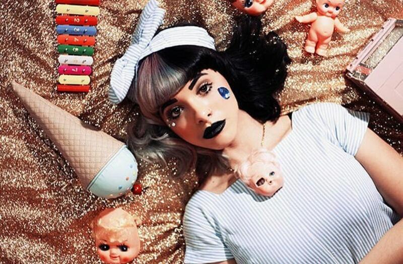 File:Dollhouse Tour Pic.jpg