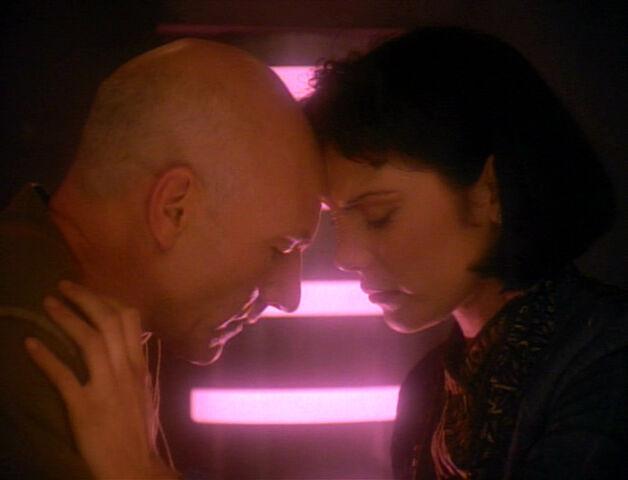 File:Picard e Ro.jpg