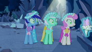 640px-Minuette, Lyra Heartstrings and Twinkleshine distracted S2E26