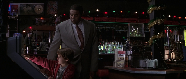 File:Tommy and Simon in bar.png