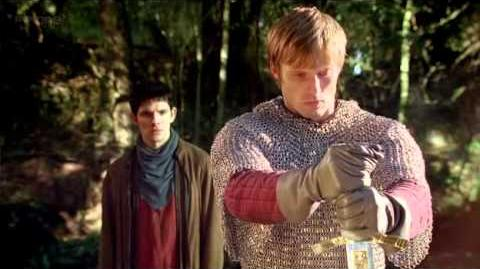 Merlin - Arthur pulls Excalibur from the stone 4x13-0