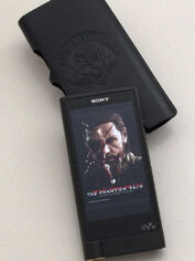Sony-Walkman-ZX2-MGSV-TPP-Edition-Picture