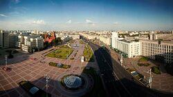 800px-Miensk - Plac Niezaležnaści
