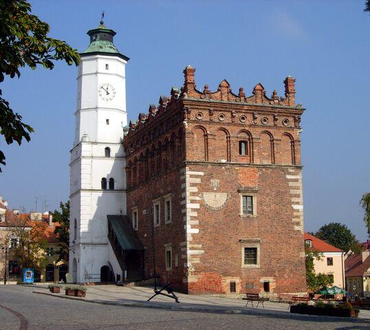 Plik:Ratusz Sandomierz.jpg