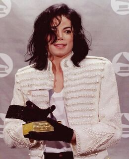 MJ-Grammy-Legend-1