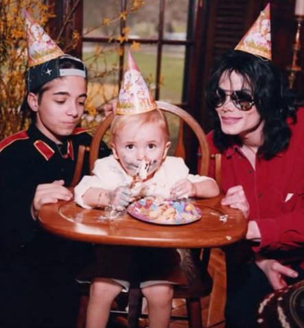 File:Michael Joe Jackson Rare Picture.png