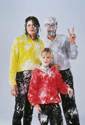 File:Michael with Young Macaulay Culkin.png