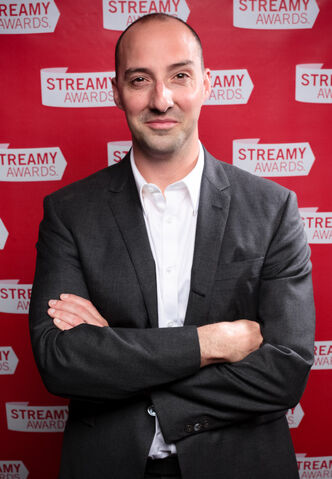 File:Tony Hale at the 2010 Streamy Awards (cropped).jpg