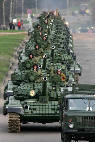 File:T72b minsk parade may 2005 1.jpg