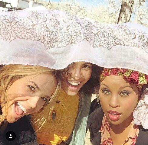 File:BTS Arielle Kebbel, Parisa Fitz-Henley and Kellee Stewart Pilot On Set.jpg