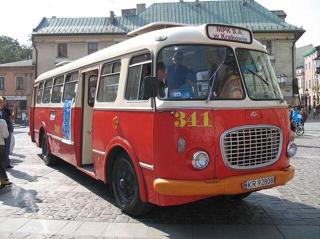 File:800px-Jelcz 272 MEX in Kraków (Mały Rynek).jpg