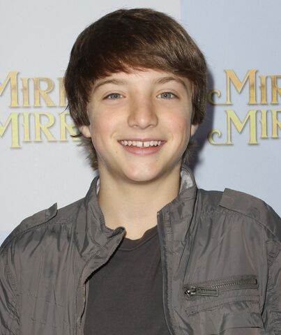 File:Jake-short-premiere-mirror-mirror-01.jpg