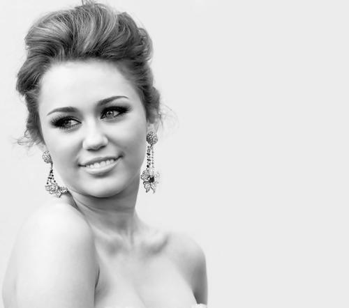 File:Miley Cyrus 1.jpg
