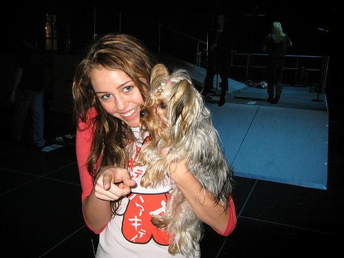 File:Miley and Roadie.jpg