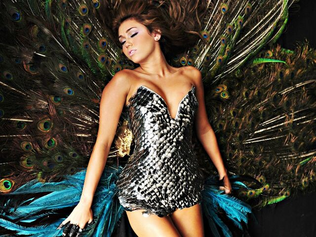 File:Miley cyrus cant be tamed promo-normal.jpg