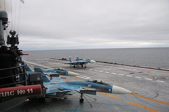 Sukhoi Su-33 on Admiral Kuznetsov-1