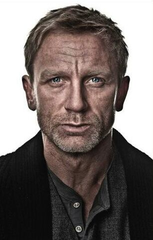 File:Mikael by Daniel Craig.jpg
