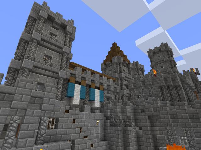 File:Minecraft medieval castle.png