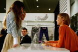 61235 MirandaKerr In Store Fashion Workshop 46 122 390lo
