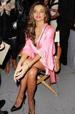 Dans-les-coulisses-du-defile-Victoria-s-Secret-a-New-York-le-7-novembre-2012-Miranda-Kerr reference