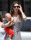 10108 Preppie Miranda Kerr out with baby Flynn at the nail salon 12 122 94lo