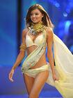 Miranda+Kerr+Victoria+Secret+Fashion+Show+HMK9Cy3fb5Ql