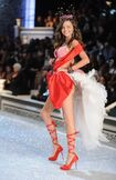 Miranda-Kerr-Victoria-Secret-Fashion-Show-2011-9