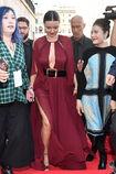 Miranda-kerr-arrives-at-the-koradior-show-during-milan-fashion-week-picture-id610523076