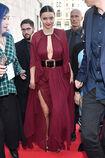 Miranda-kerr-arrives-at-the-koradior-show-during-milan-fashion-week-picture-id610523070