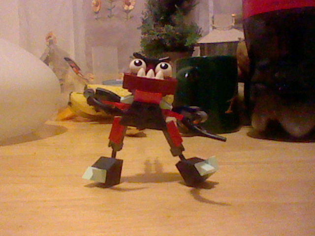 File:LEGO Zorch and Boogly Mix Pose 1.JPG