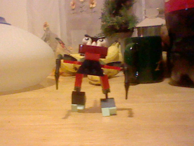 File:LEGO Zorch and Boogly Mix Pose 2.JPG