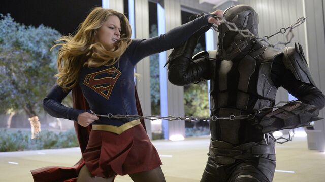 File:Supergirl Fights Master Jailer.jpg