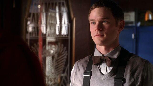 File:Jimmy Olsen (Smallville Apocalypse) 001.jpg