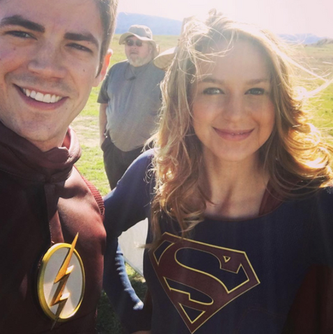 File:Grant Gustin and Melissa Benoist on set filming Worlds Finest.png