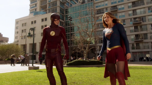 File:Supergirl and The Flash confronting Livewire and Silver Banshee.png