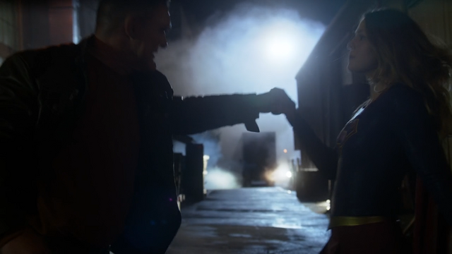 File:Supergirl overpowers K'hund.png
