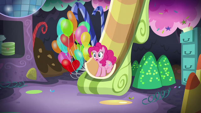 File:Pinkie hears Applejack's voice S5E11.png