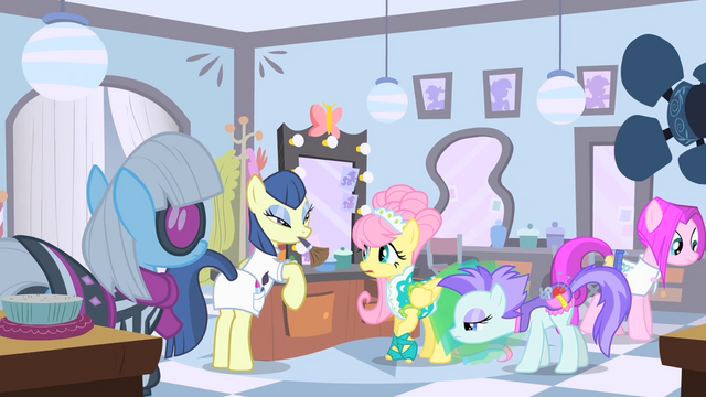 File:Fluttershy makeup session S1E20.png