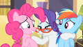 Pinkie nods her head S4E08.png