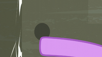 Twilight slams the door behind Rarity S6E9