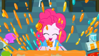 Pinkie Pie painting even more messily SS10