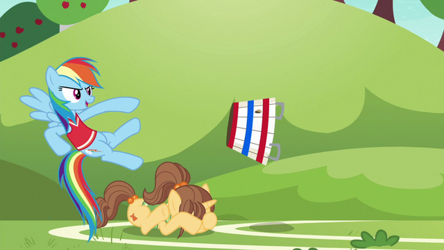 File:Tryout unicorn mare cowers from the ball S6E18.png