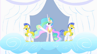 Celestia waves to the crowd S1E16