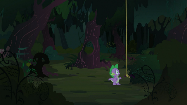 File:Spike looking to his right S3E9.png