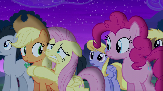 File:Fluttershy holding Applejack in fear S6E6.png