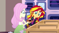 Fluttershy picks up a guinea pig SS7