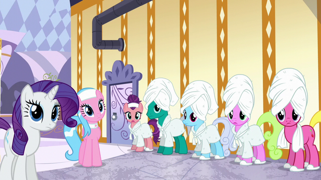 File:Ponies listening to Applejack S6E10.png